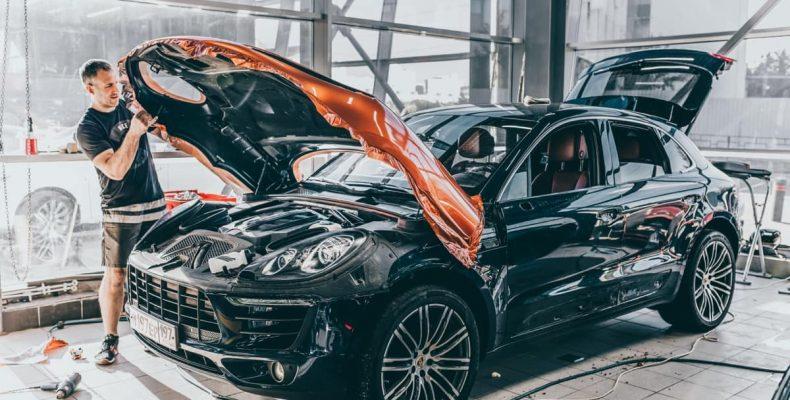 Оклейка Porsche Macan – матовая антигравийная защита
