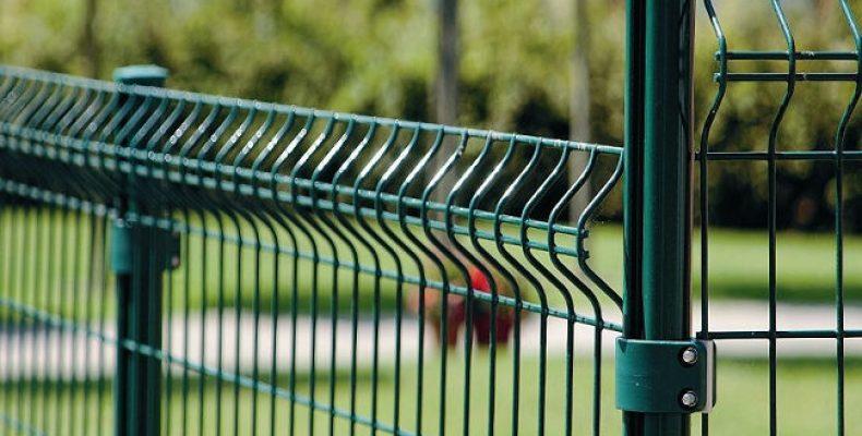 Панельный забор из проволоки