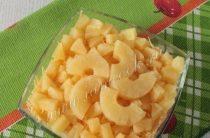 Салат с ананасами, курицей и грибами Ингредиенты: Ананас