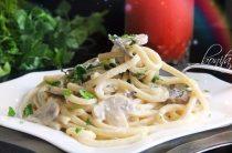 Спагетти с грибами в сливочном соусе Ингредиенты: 200