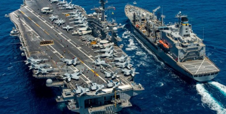 США отправляют три авианосца к берегам Южной Кореи