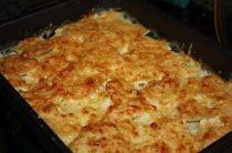 Картошка в сметане. Нам понадобится: картофель сметана сыр