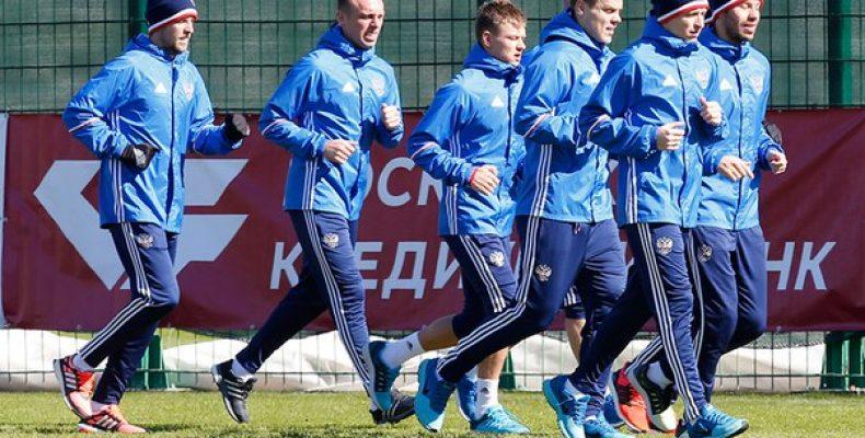 4 игрока сборной России не полетят во Францию.