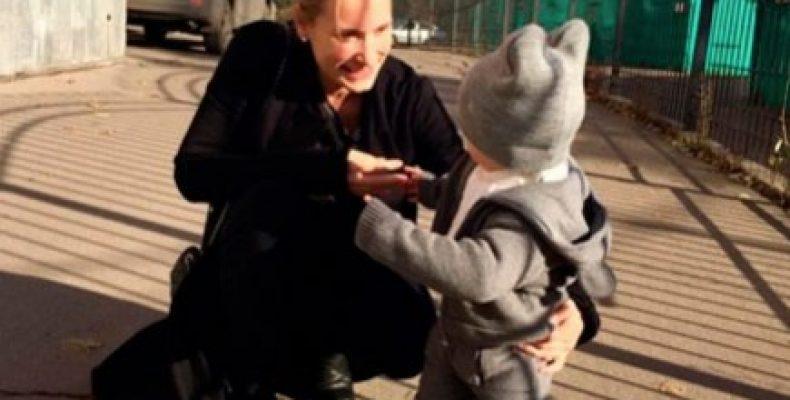 Марика демонстрирует счастье ожидания ребенка. Мария Кравцова, или