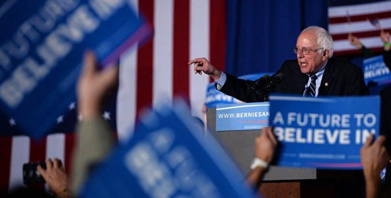 СМИ: Сандерс выигрывает первичные выборы среди демократов в