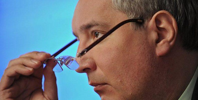 Рогозин: бандеровцы решили сбивать спутники из рогатки Вице-премьер