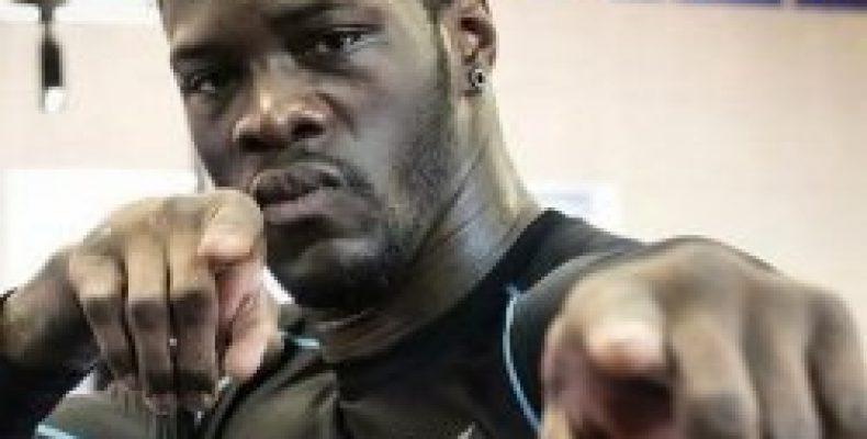 Чемпион мира по версии WBC в супертяжёлом весе