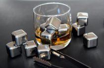Вместо льда — охлаждающие камни для виски и других алкогольных напитков