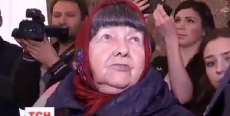 Мать Савченко недовольна земельным участком, который ей выделили