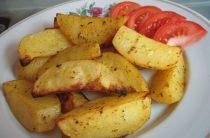 Картошка по-деревенски Ингредиенты: * картофель среднего размера –