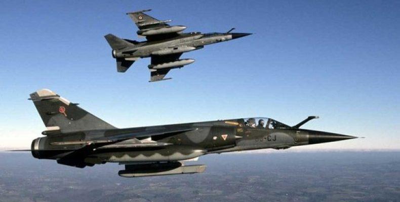 За восемь лет ВВС Франции сократились на 40
