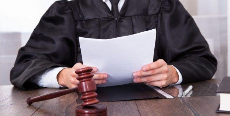 Как найти достойного юриста и адвоката в Москве
