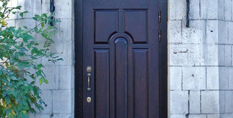 Покупка двери для защиты здания