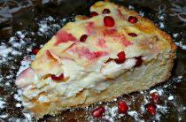 Яблочно-банановый пирог из песочного теста со сметанной заливкой